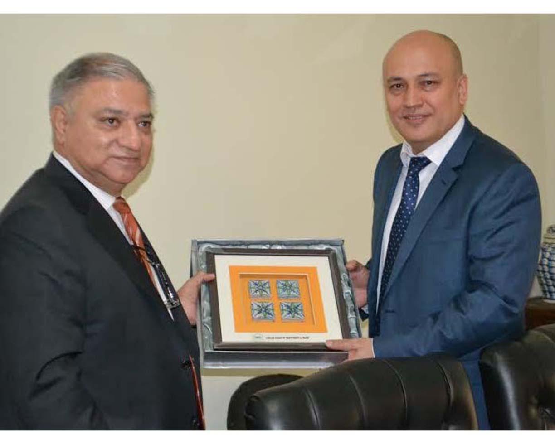 ازبکستان او پاکستان همکاري زیاتوي