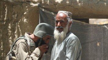 افغانان د محلي پولیسو ستاینه کوي