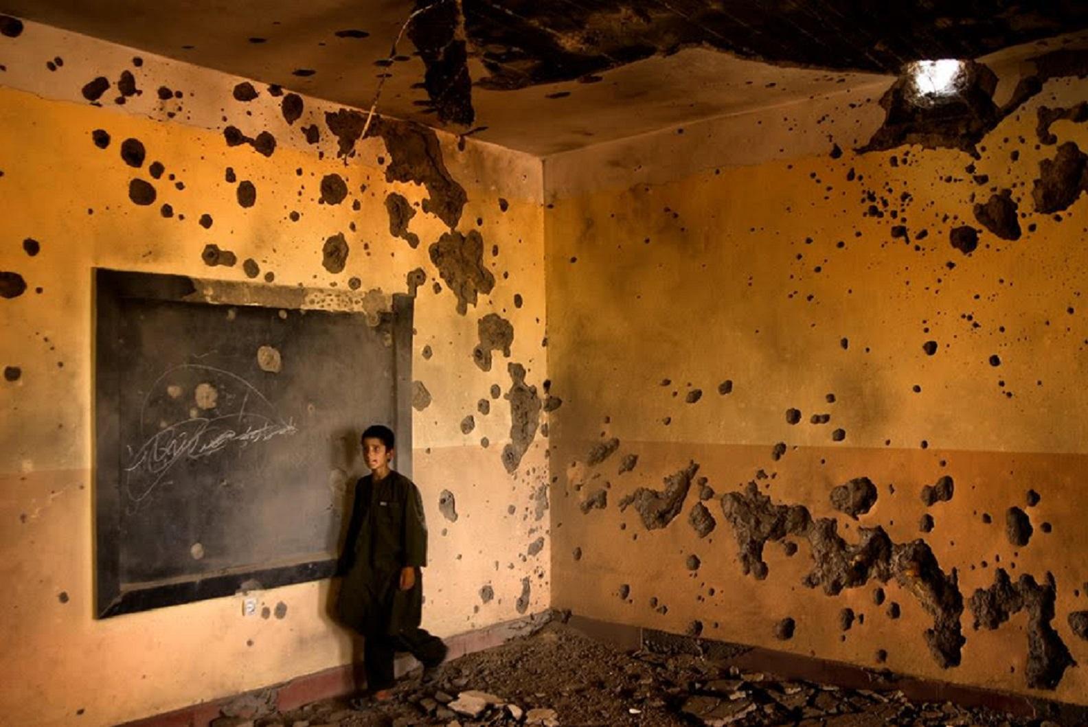 افغان طالبانو بېخبنا ړنګه کړه، ملکي خلک یې له خطر سره مخامخ کړل