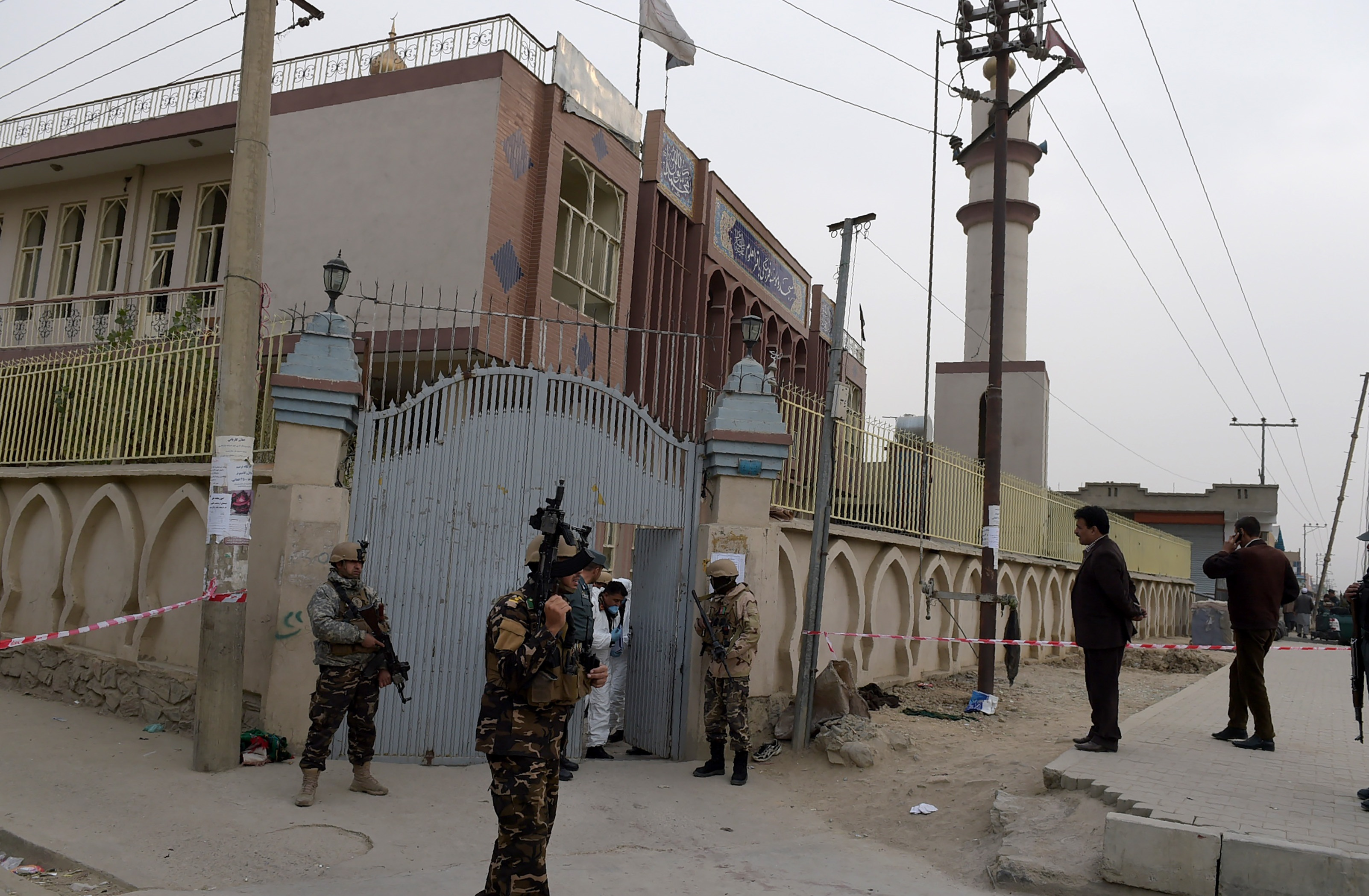 افغانستان بمب گذاری در مسجد کابل را محکوم می کند