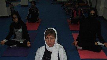 افغانان هڅه کوي چې د جګړې وحشتونه د معالجې او تمرین له لارې له منځه وېسي