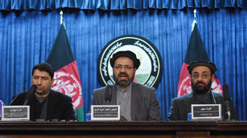Mohammad Amin Karim (centre), representative for Afghan warlord Gulbuddin Hekmatyar, is flanked by Akram Khpalwak, Afghan President Ashraf Ghani's special envoy and head of the joint HI-government executive commission (left), and politician Ghairat Baheer (right) at a February 4 news conference in Kabul. The UN Security Council has lifted sanctions from Hekmatyar opening the door for his return to Kabul. [WAKIL KOHSAR/AFP]