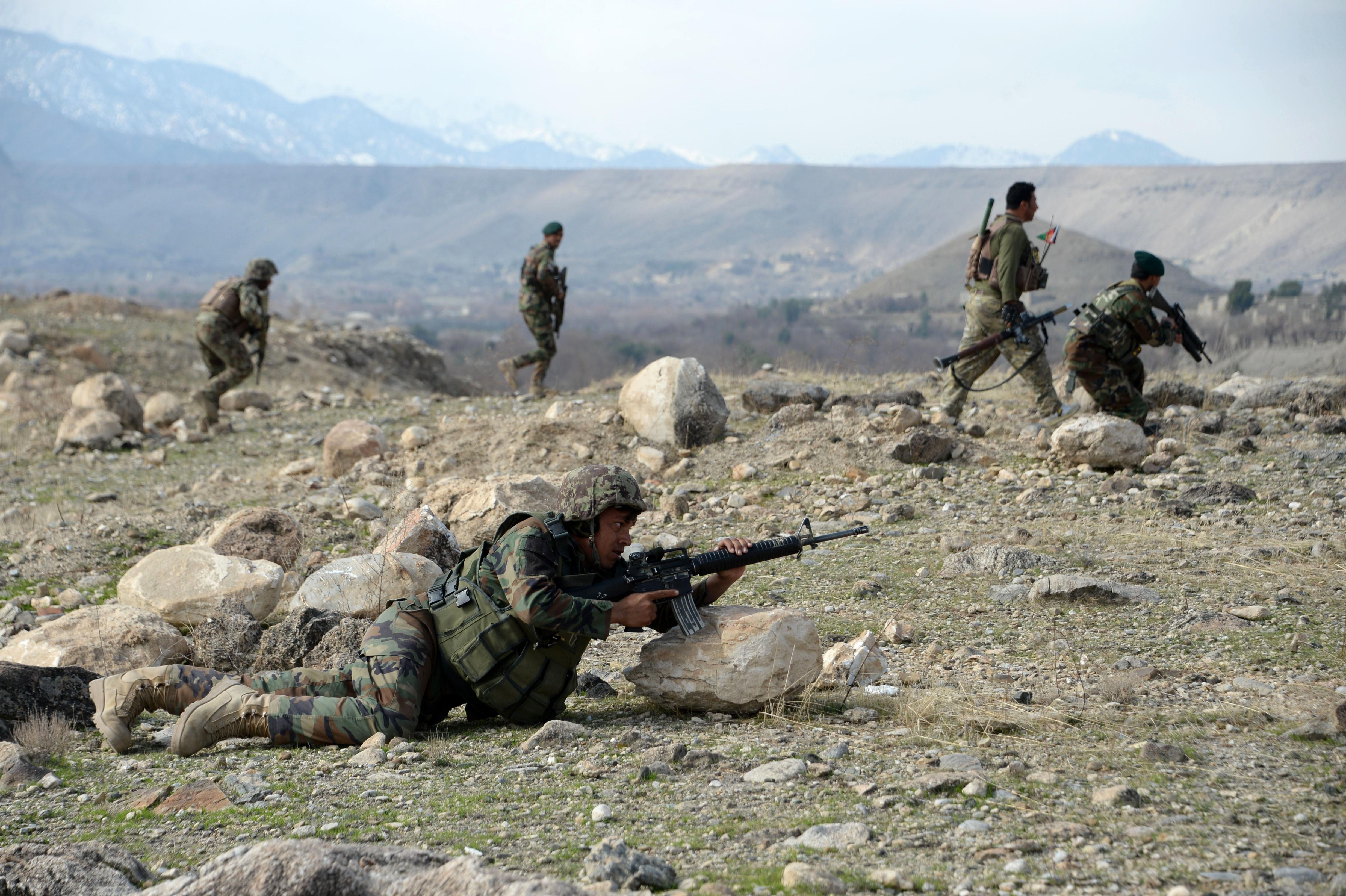 قوای افغان شبه نظامیان داعش را در ننگرهار عقب می رانند
