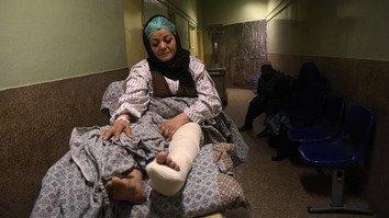 شاهدان عینی می گویند عواملی از داخل در حمله شبه نظامیان به شفاخانه شرکت داشتند
