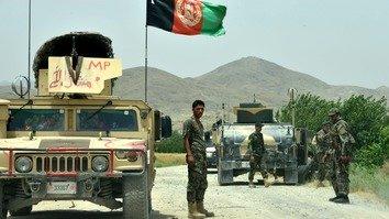 افغان ځواکونو د کندهار په بېس باندې د طالبانو د پراخ برید په مقابل کې 'زړور مقاومت' وکړ