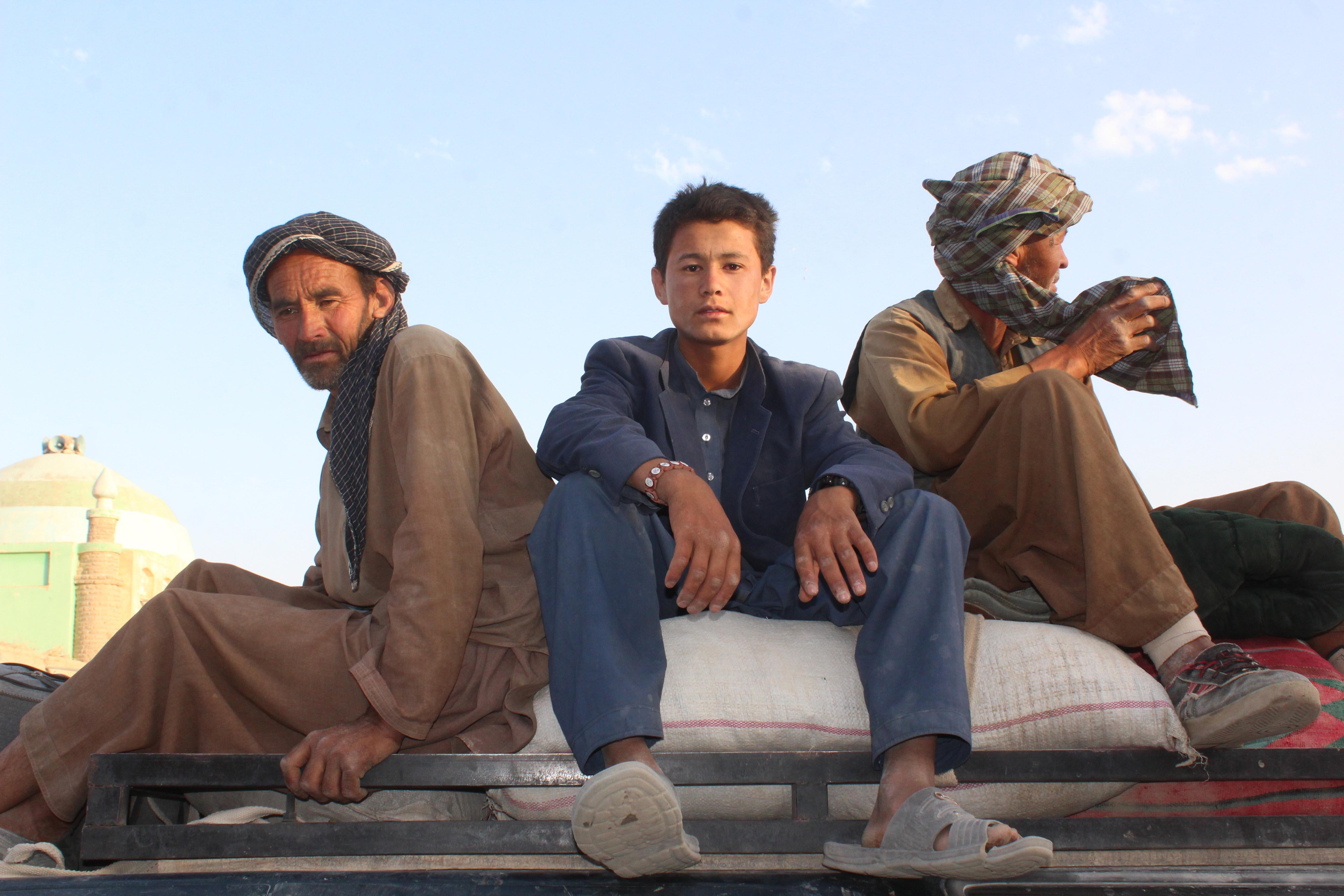 گروگان های آزاد شده ترس و وحشتی را که در حمام خون ایجاد شده توسط طالبان و داعش در میرزاولنگ مشاهده کردند بازگو می کنند