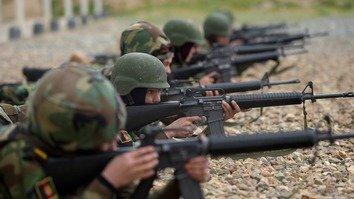 در تصاویر: قوای افغان جهت کمپین آینده علیه شبه نظامیان تعلیم می بینند
