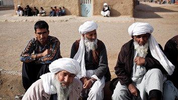 پناهندگان افغان اعزام شده به جنگ سوریه علیه ایران صحبت می کنند