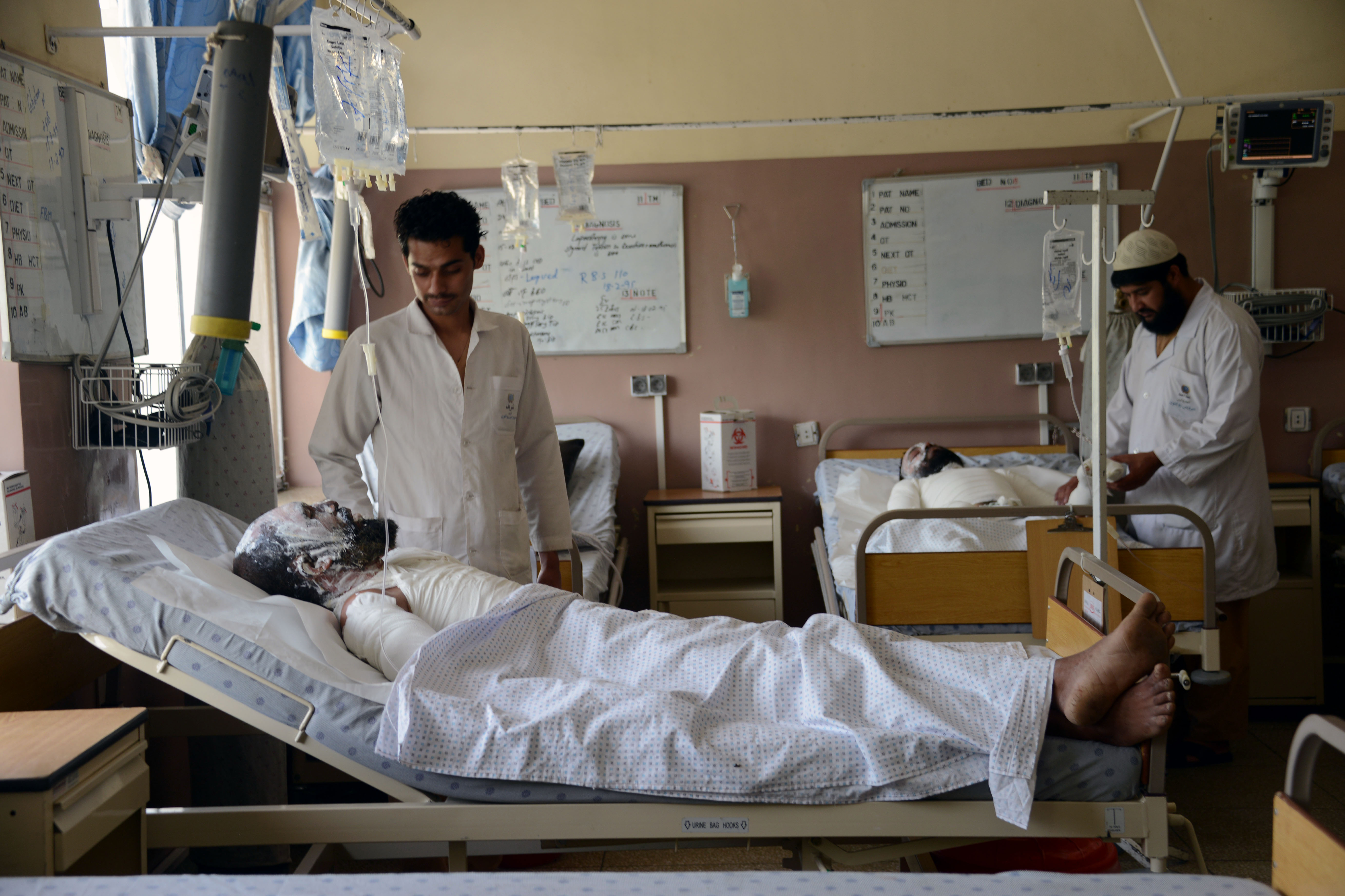 په اروزګان کې د طالبانو د فعالیت له امله ۲۵۰ زره کسان له روغتیایي پاملرنې څخه محروم شوي دي