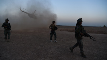 US and Afghan air forces on November 19, 2017, began hitting opium production facilities in Helmand Province as part of joint operations against Taliban funding sources. Pictured here, Afghan Commandos participate in a combat training exercise with US Marines at Shorab Military Camp in Lashkargah, Helmand Province, on August 27, 2017. [Wakil Kohsar/AFP]