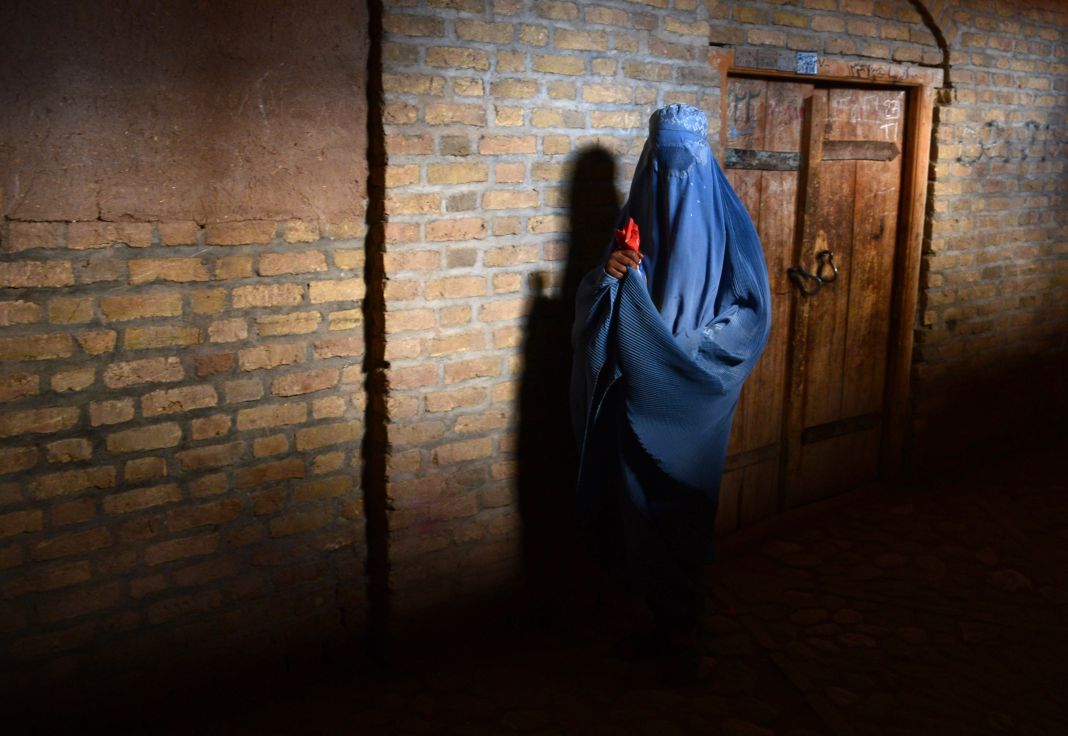 جنگجویان داعش زنان بیوه و دختران جوزجان را وادار به نکاح می کنند