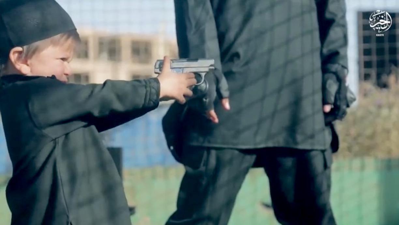 د جوزجان تښتول شوي ماشومان 'اوس تیار دي' چې د داعش ترهګریز عملونه ترسره کړي