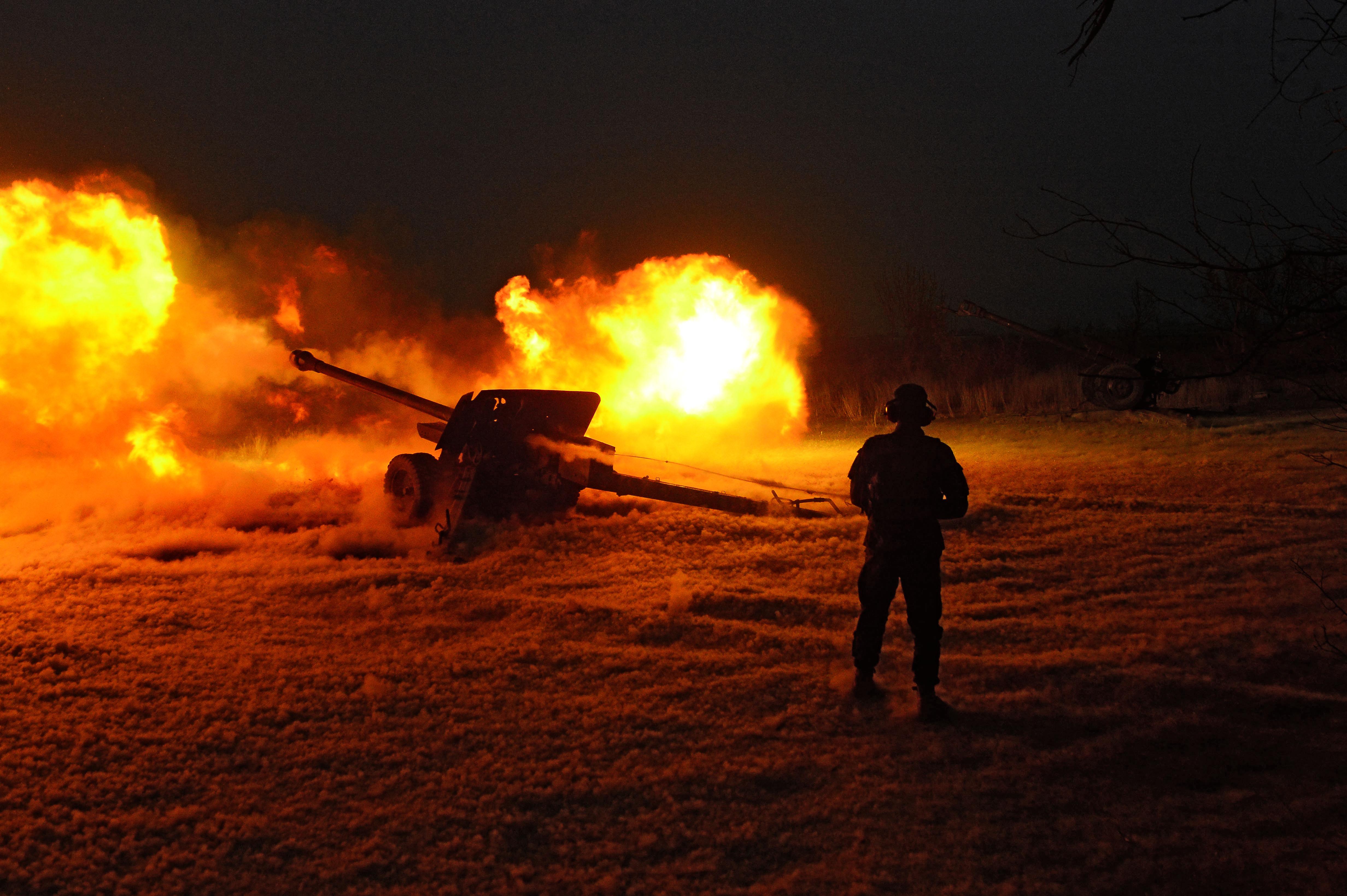 اعزام نیروهای بیشتر افغان به فراه همزمان با شدت یافتن حملات طالبان