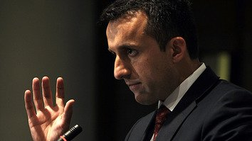 Former Afghan Intelligence chief Amrullah Saleh addresses a press conference in Kabul November 16, 2009. [Shah Marai/AFP]