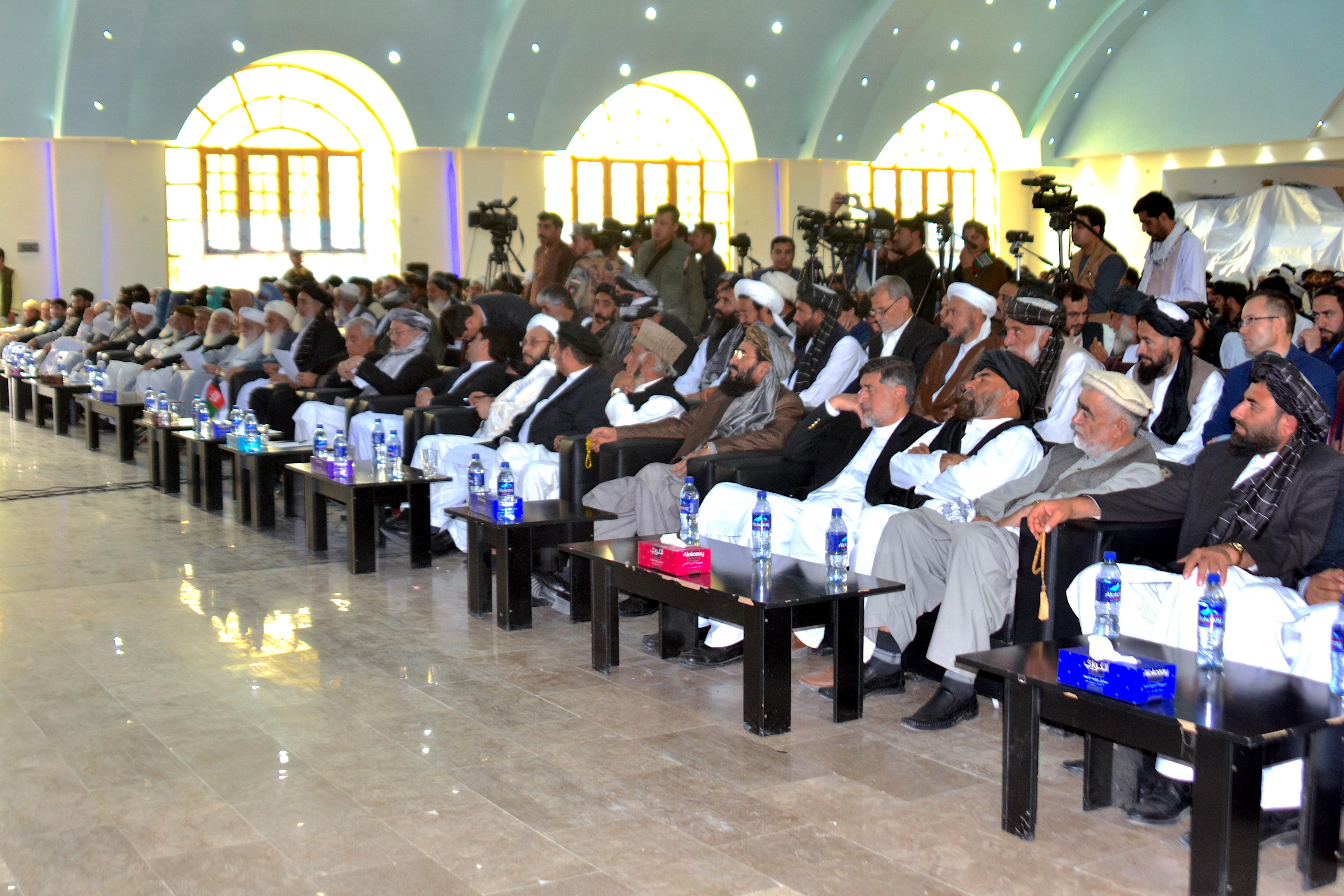 علمای دینی با تجمع در قندهار از طالبان خواستند که صلح کنند