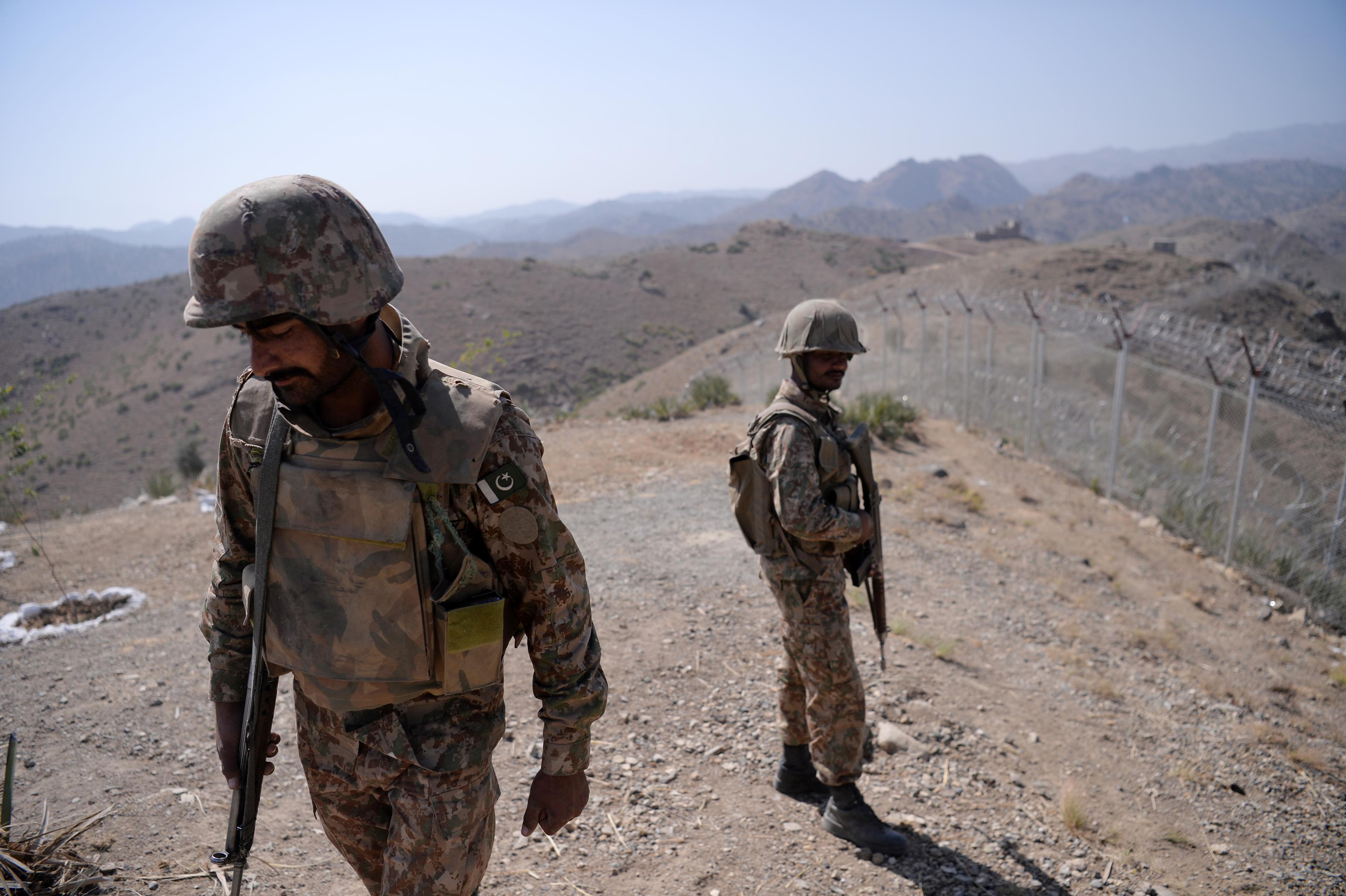 پاکستان و افغانستان پس از درگیری ها در نزدیکی سرحد تنش ها را کاهش داده اند