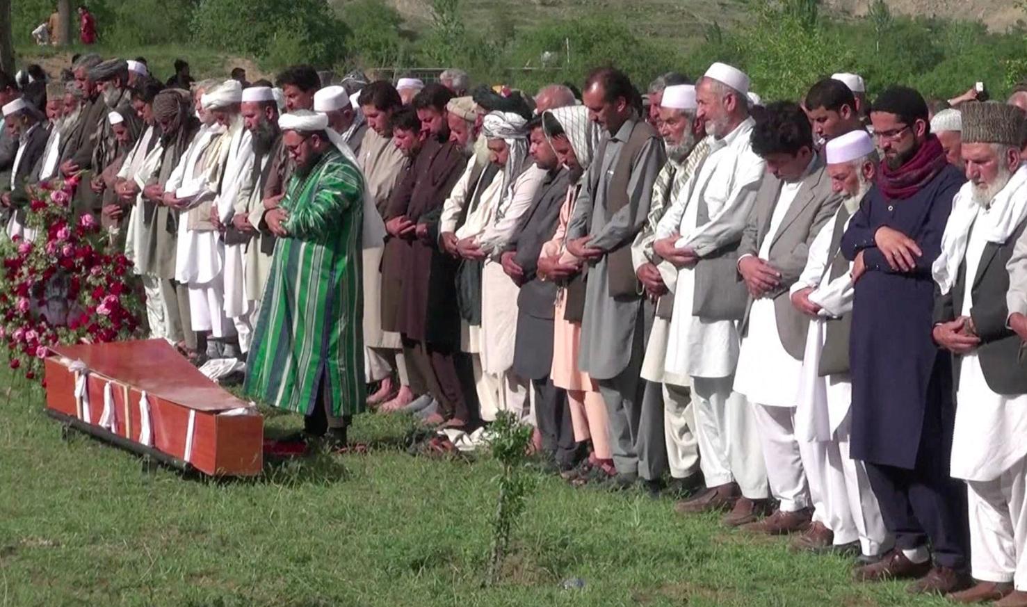 خبرنگاران پاکستانی نیز حملهٔ داعش بر رسانه ای افغانستان را محکوم کردند