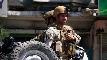 با وقوع درگیری های مسلحانه و انفجارهای متعدد در کابل، نیروهای افغان بار دیگر اراده خود را به نمایش میگذارند