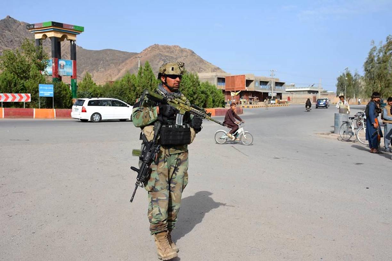 نیروهای امنیتی حملهء طالبان بر شهر فراه را عقب راندند و صدها جنگجو را کشتند