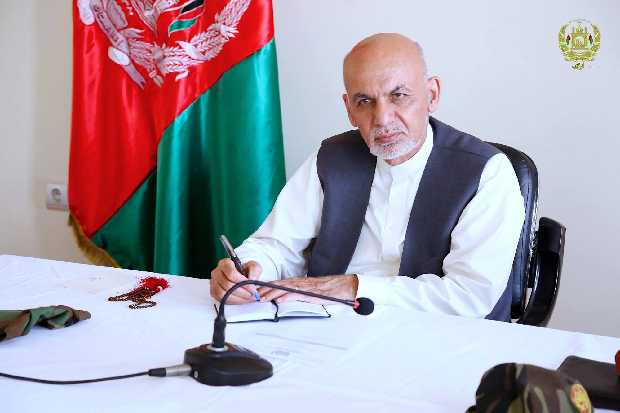 آتش بس موقت با طالبان برای افغان های خسته از جنگ امیدواری می بخشد