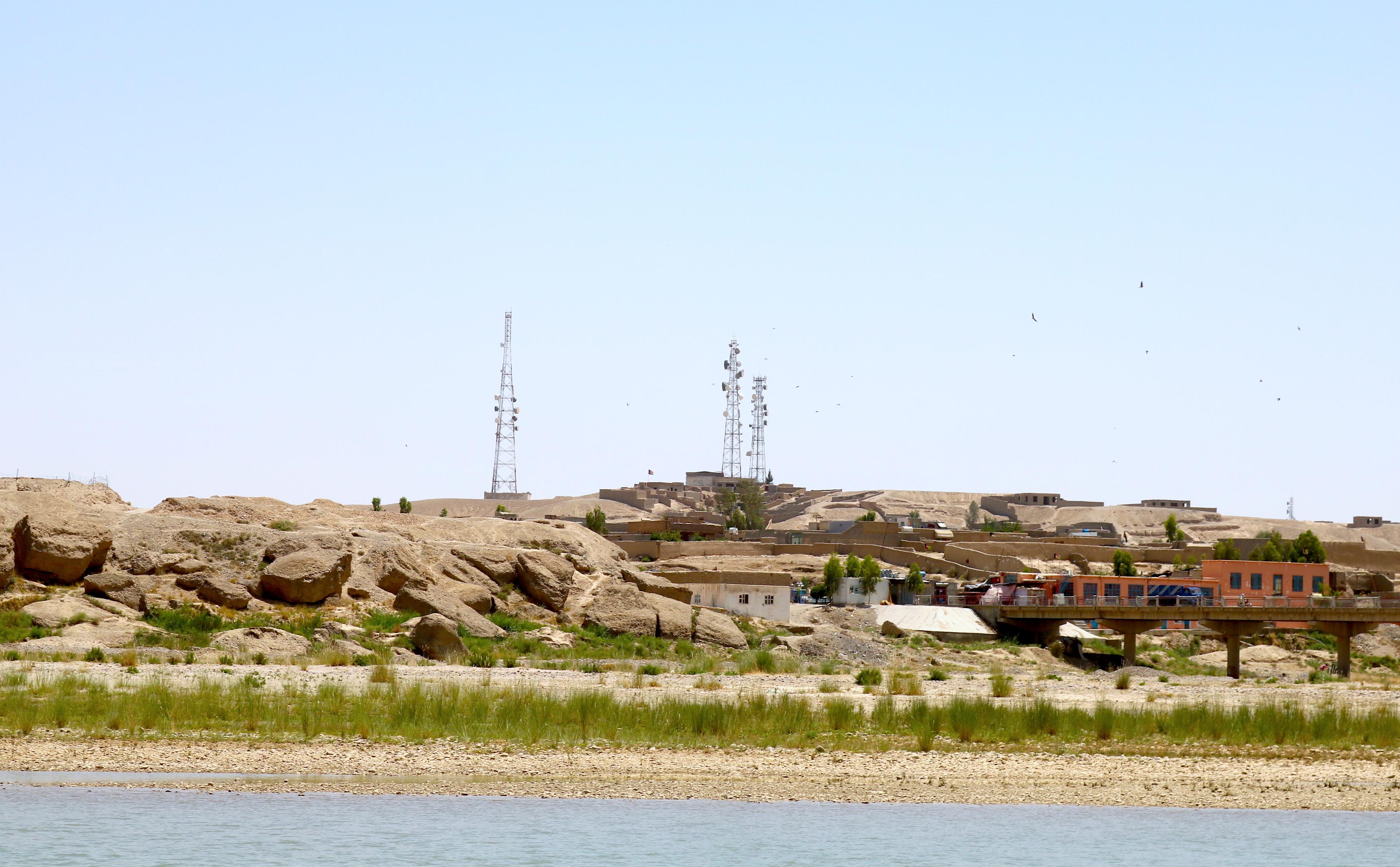 پس از قطع خدمات مخابراتی در هلمند از سوی طالبان، حکومت وارد عمل شده است