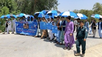 Afghan refugees launch peace caravan from Peshawar to Kabul