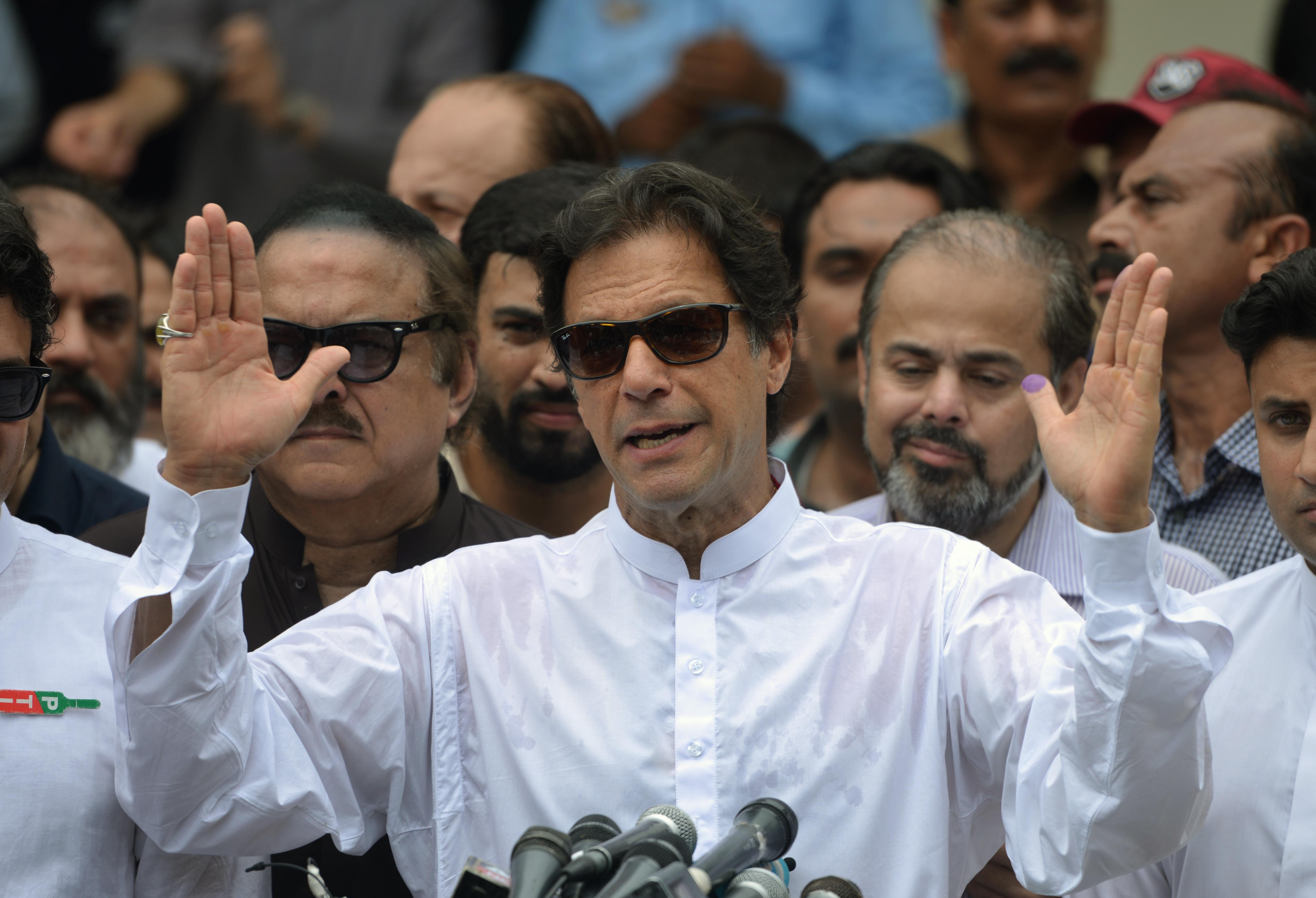 استقبال پاکستانی ها و افغان ها از دیدگاه عمران خان برای بهبود روابط