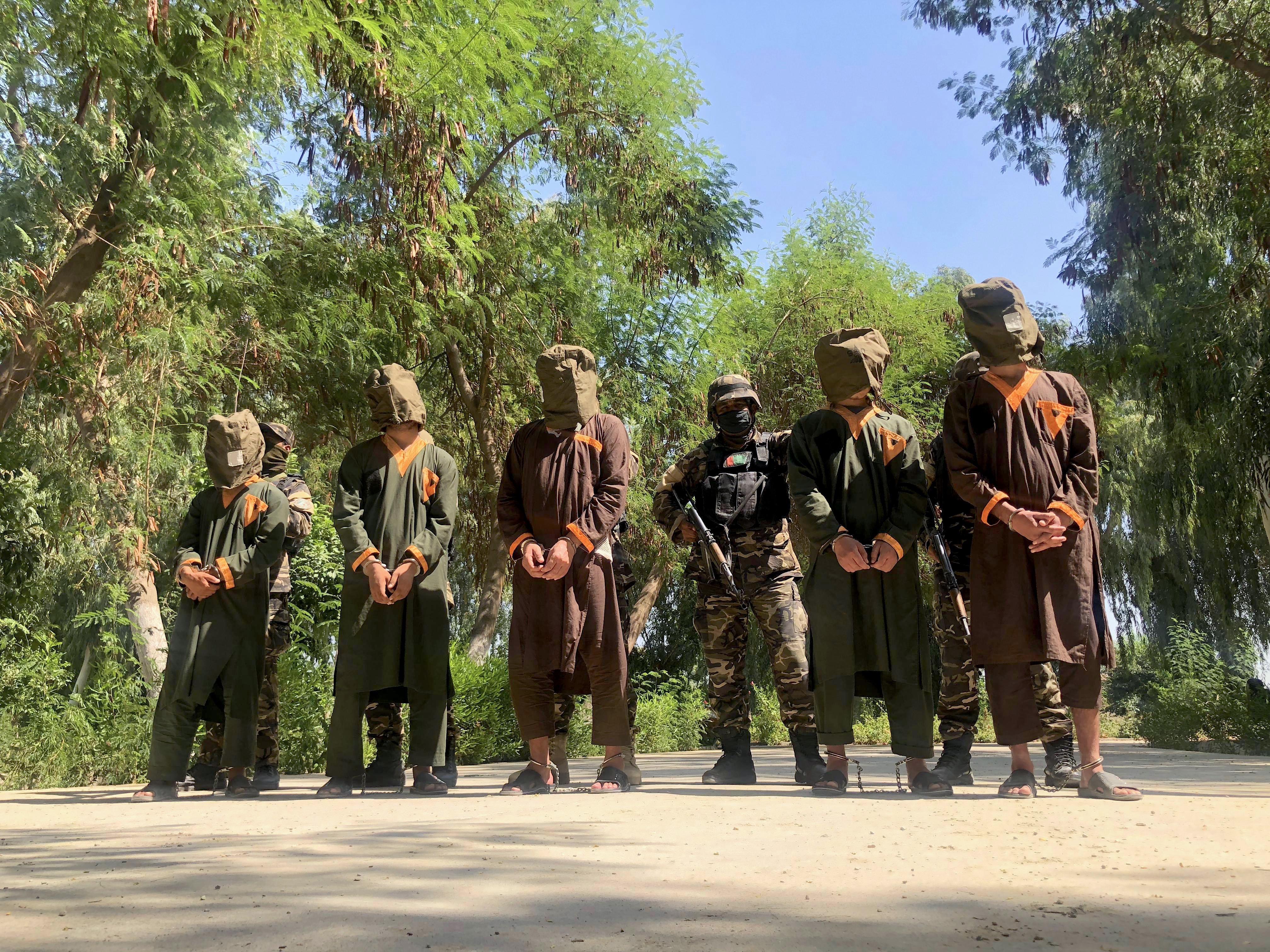 چارواکي: افغان ځواکونو په ننګرهار کې په ۳ میاشتو کې نژدې ۲۰۰ اورپکي نیولي دي