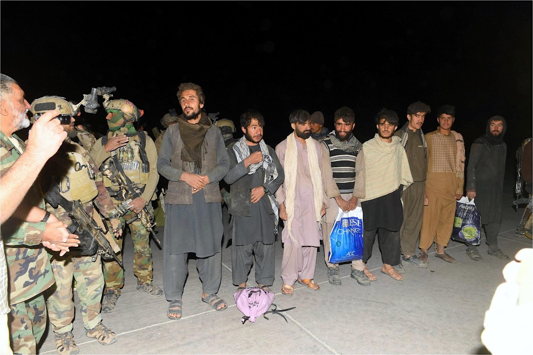 زندانیان آزاد شده از زندان های طالبان شرح حال شان را بیان می کنند