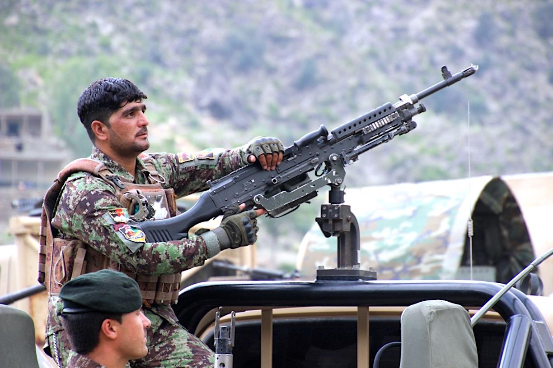 نیروهای افغان در آستانه انتخابات، طالبان و داعش را در کنر هدف قرار دادند