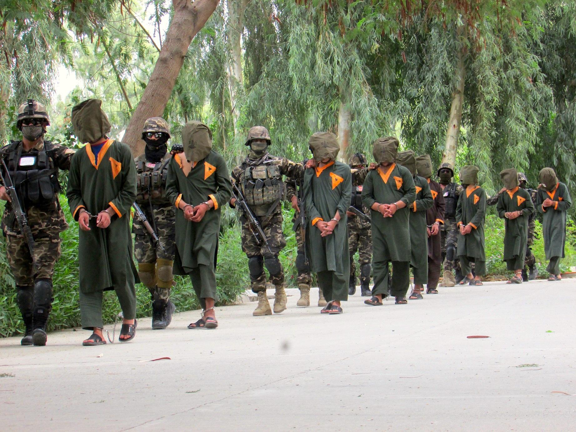 اعتراف جنگجویان داعش به جنایات شان در ننگرهار