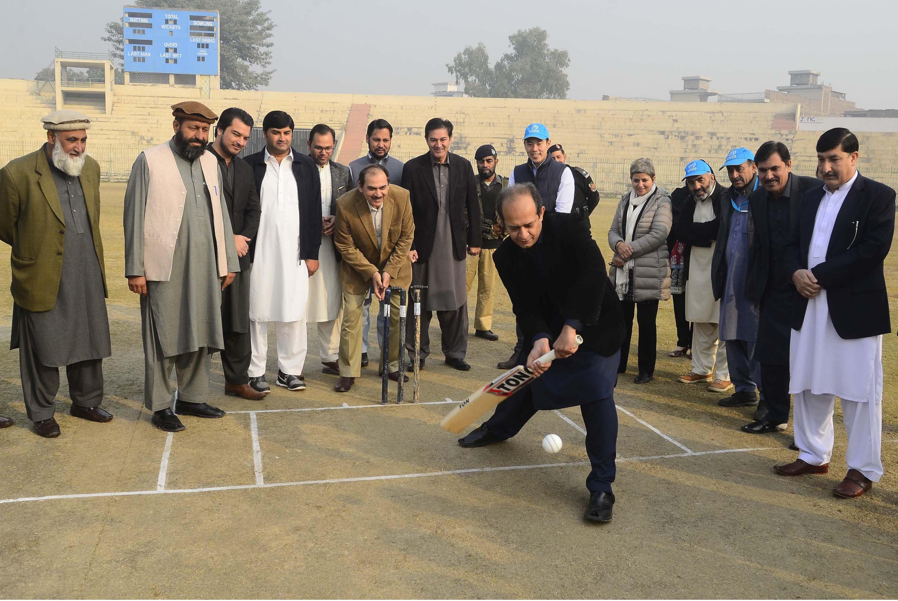 بیجا شده گان افغان در لیگ کریکت جدید پیشاور انگیزه تازه می یابند