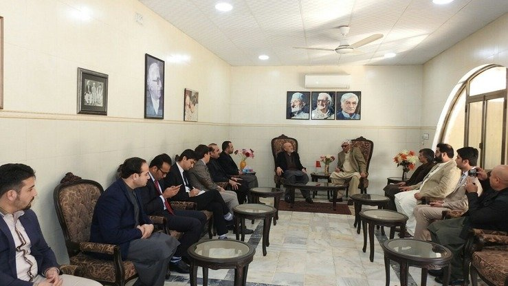 The Afghan delegation discusses peace with the Awami National Party (ANP) leadership in Charsadda, Khyber Pakhtunkhwa, January 9. [ANP]