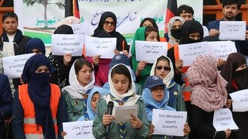 Kunduz youth, athletes call on Taliban to stop fighting and accept peace