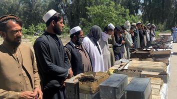 تسلیم شدن ده ها تن از اعضای سرخورده داعش و طالبان در ننگرهار