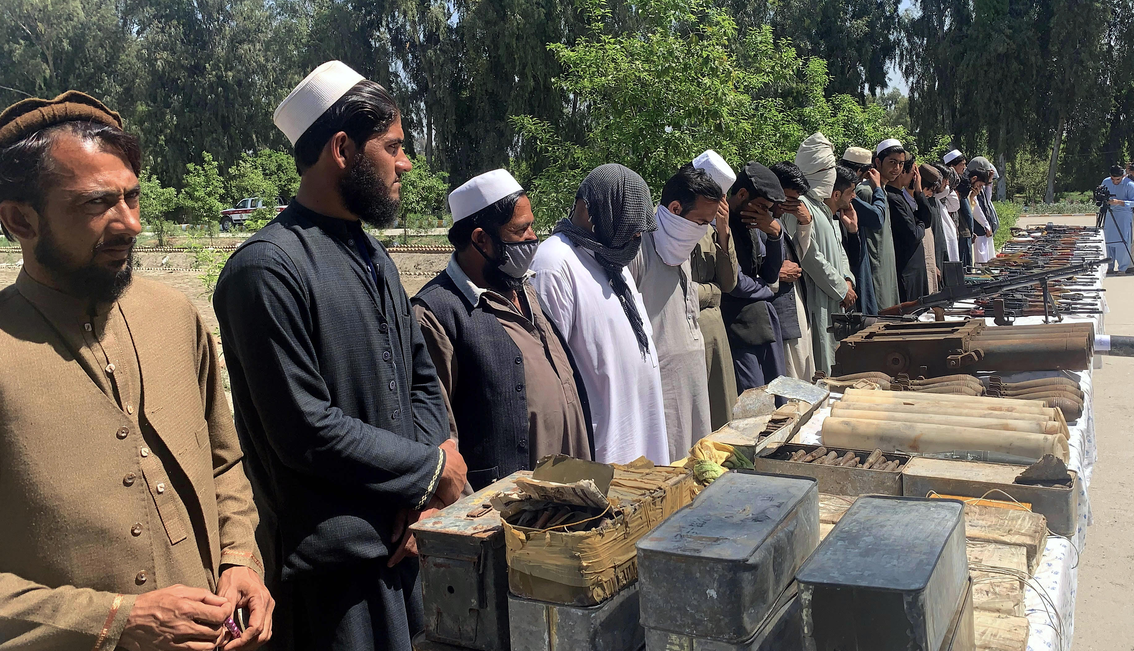 Dozens of disillusioned ISIS and Taliban members surrender in Nangarhar