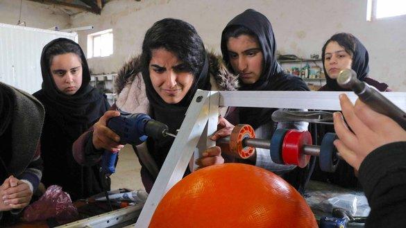 'نماد شجاعت': تیم روبات ساز دست آوردهای دختران افغان را برجسته ساخت