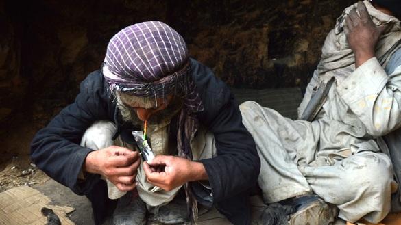 Opium addiction takes toll among women, children in Kunduz