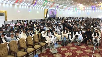 بیش از ۱۵۰۰ باشنده گان افغان در کندهار خواستار صلح و آتش بس فوری شدند