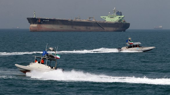 بر اثر توقیف تانکر نفتکش توسط سپاه پاسداران انقلاب اسلامی ایران، تنش ها در خلیج افزایش یافته است