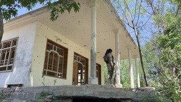 باشنده گان ننگرهار به مرکز سابق داعش که اکنون در تصرف نیروهای افغان میباشد، باز می گردند
