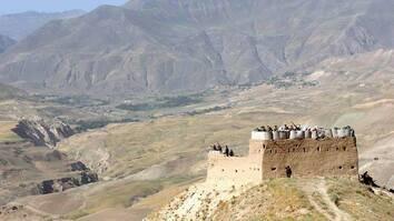 جنگجویان طالب در بی رحمی های اخیر اجساد سربازان افغان را در تخار آتش زدند