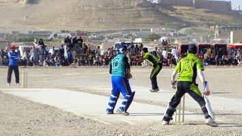 جوانان طی یک تورنمنت کرکت زیر نام «صلح و آتش بس» طالبان را مورد انتقاد قرار دادند