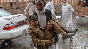 انفجار ده ها نفر را حین نماز جمعه در مسجد ننگرهار کشت