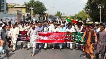 Nangarhar youth march in support of crackdown on warlords