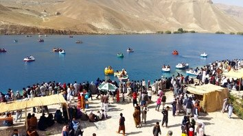 Improved security at Band-e-Amir triggers surge in Bamiyan Province tourism