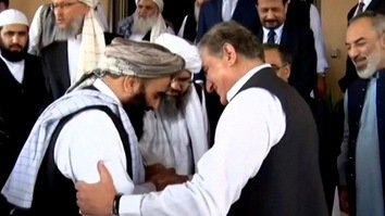 Hugs and smiles as Taliban leaders meet Pakistani officials
