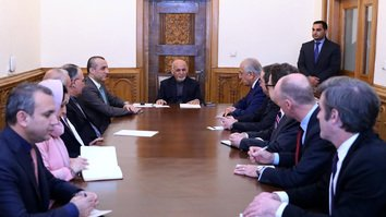 Ghani, Khalilzad discuss potential ceasefire with Taliban in Kabul