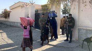 Wives, children of ISIS fighters in Nangarhar return to Pakistan