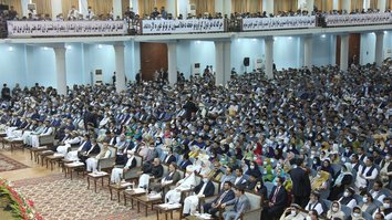 Afghans kick off loya jirga to decide fate of 400 Taliban prisoners